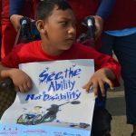 Seorang kaum difable di Global Action Week di lingkar luar GOR Pakansari, Cibinong, Minggu (22/4/2018)..Foto: Unang