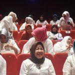 Bupati Bogor Nurhayanti bersama GOW nobar film Nyai Ahmad Dahlan di Gedung XXI, CCM, Rabu (18/4/2018)./Foto: Unang