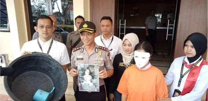 Satuan Reserse dan Kriminal (Satreskrim) Polres Garut saat mengungkap dua kaksus pembunuhan bayi./Foto: via radartasikmalaya.com