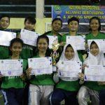 SENANG: Futsal SMKN 1 Pacet raih juara tingkat kabupaten dalam O2SN.