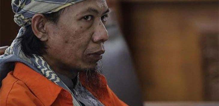 Aman Abdurrahman alias Oman didakwa menggerakan orang lain dan merencanakan sejumlah teror di Indonesia termasuk Bom Thamrin 2016. (ist/JawaPos.com)
