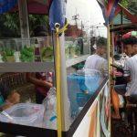 Jalan KSR Dadi Kusmayadi Cibinong, Kabupaten Bogor jadi Pasar Dadakan, foto/unang