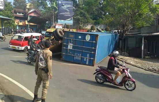 Kecelakaan di Purwakarta./Foto: Ade