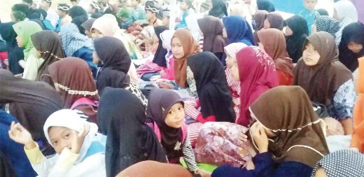 PESANTREN RAMADAN: Pelajar di Purwakarta diwajibkan ikut pengajian selama Ramadhan. Gani/Radar Karawang