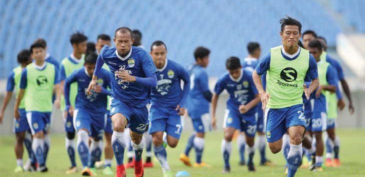 Para Pemain Persib Bandung Saat Latihan .Net