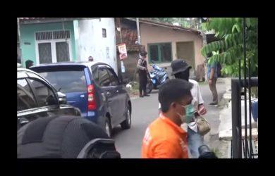 Geledah rumah terduga teroris di Tasikmalaya, Jumat (18/5/2018)./Foto: Istimewa