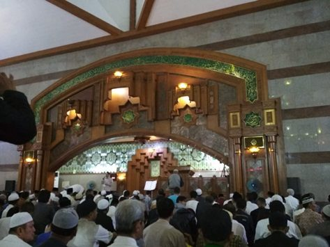 Tarawih di Masjid Pusdai, Rabu (16/5/2018)./Foto: via Rmoljabar