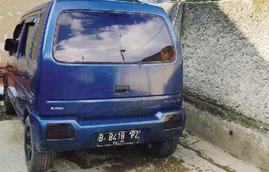 Terkunci-di-Dalam-Mobil