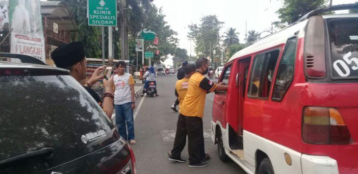 DPC Partai Hanura berbaji takjil./Foto: Ade