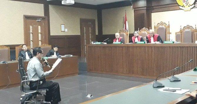 Ahli Bahasa dari Universitas Indonesia, Afdol saat menjadi saksi ahli untuk terdakwa Fredrich Yunadi ./Foto: via Jawapos