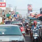MAKIN PARAH: Kondisi kemacetan di wilayah Utara Sukabumi semakin hari semakin parah.