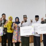 PLN (Persero) menyerahkan bantuan kepada enam penerima manfaat yang berasal dari wilayah PLN Area Cianjur