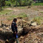 TERKIKIS: Aliaran air di sungai Cikondang, menggerus lahan warga di Kecamatan Cibeber.
