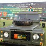 Khatib khutbah di atas mobil tempur di Lapangan Yon Armed 9 Sadang Purwakarta, Jumat (15/6/2018)./Foto: Ade