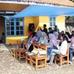 Direksi dan manajemen PDAM Tirta Pakuan Kota Bogor menemui pelanggan RW 6 Dukuh Jawa Kelurahan, Cikaret Kecamatan, Bogor Selatan untuk mensosialisasikan program peningkatan pelayanan zona VI, foto/Istimewa