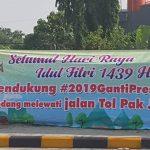 Viral spanduk Idul Fitri
