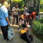 Salah seorang pengendara mengalami kecelakaan motordi Jalan Sholeh Iskandar,foto/Istimewa