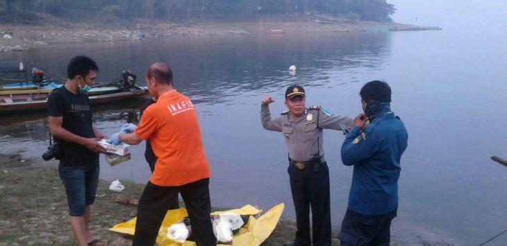 Mayat ditemukan di Danau Jatiluhur, Jumat (8/6/2018)./Foto: via Rmol
