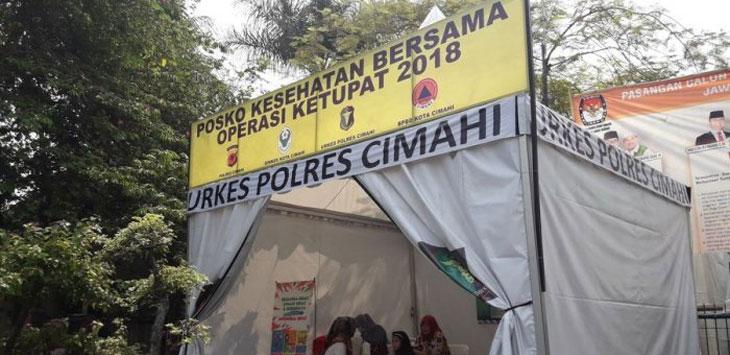 SUASANA: Posko mudik yang disiapkan Dinas Kesehatan Kota Cimahi untuk pemudik yang melewati wilayah Cimahi di alun-alun Cimahi Jalan Amir, minggu (10/06/18). Ist
