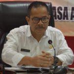 Pj Wali Kota Bekasi Ruddy (kiri)