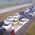 Antrean kendaraan di Tol Cipali