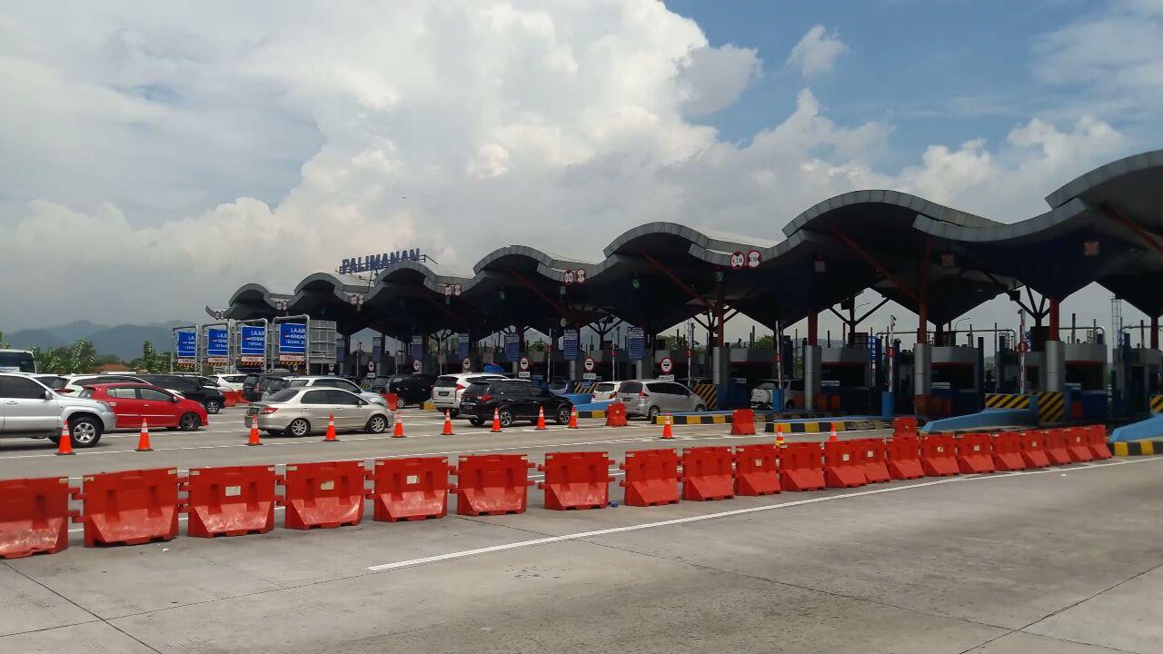 Kendaraan yang Exit di GT Palimanan dari arah Jawa Tengah menuju Jakarta. Foto: Alwi