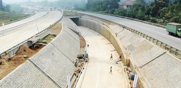 BISA DIGUNAKAN: Tol Bocimi sesi satu rute sepanjang 15,35 kilo meter yang menghubungkan Ciawi- Cigombong bakal dibuka untuk jalur mudik tahun ini.