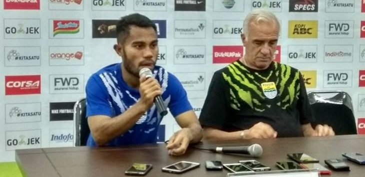 Ardi Idrus mengaku para pemain Persib termotivasi dukungan Bobotoh./Foto: jpc