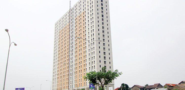 SEMPIT: Apartemen Green Lake View di Kelurahan Curug, Kecamatan Cimanggis, yang merupakan kawasan permukiman elit yang sampai saat ini masih dalam tahap pembangunan. Ahmad Fachry/Radar Depok