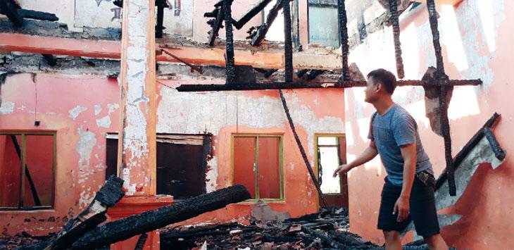 Bangunan Ponpes Darul Ilmi habis dilahap api. Gani/Radar Karawang