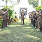 Kejari Kota Bogor saat melakukan kunjungan ke Makam Taman Pahlawan Dreded, Kota Bogor. Istimewa