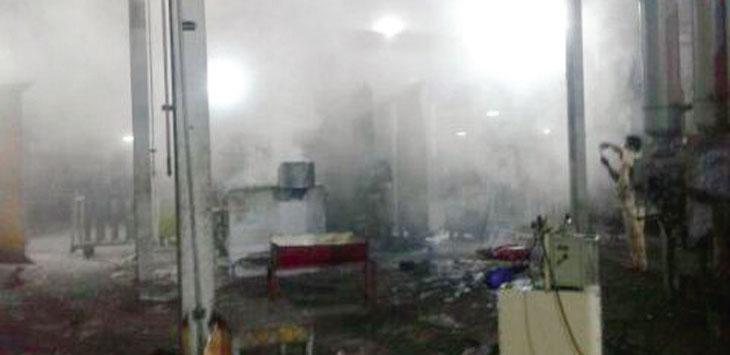 Ruangan Departemen Casting PT Chemco Harapan Nusantara terlihat tidak karuan usai mesin die casting high prizer meledak. Ist