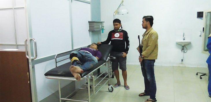 CURANMOR: Pelaku curanmor, Yadi, terpaksa dilumpuhkan kaki kirinya akibat berusaha lari saat akan ditangkap. AGUN GUNAWAN/RADAR SUMEDANG