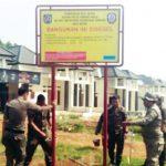 DISEGEL: Perumahan di kasawan Kelurahan Bedahan, Kecamatan Sawangan disegel Satpol PP Kota Depok, Rabu (18/7/18). Ist