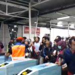 Suasana ricuh hari pertama tiket kertas di Stasiun Bogor