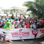 THE 1O1 Bogor Suryakancana berkolaborasi dengan EF English First menggelar acara Kids Activities bertemakan Summer Fun Jumat (13/07/2018). Adi
