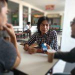 Rudihanto atau Rudi Setro, artis Pantura Cirebon saat dimintai keterangan oleh Pojokjabar.com mengenai majunya menjadi Bacaleg 2019. Foto: Alwi