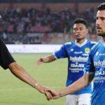 Persib Bandung dikalahkan Persija Jakarta dengan skor tipis 0-1