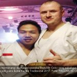 Fauzan Noor usai memenangi duel atas karateka Republik Ceko yang sekaligus menghantarkanya jadi juara dunia karate tradisional