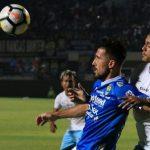 Jonathan Bauman mencetak gol tunggal kemenangan Persib Bandung atas Persela Lamongan di GBLA, Bandung, Senin (16/7/2018) malam WIB,