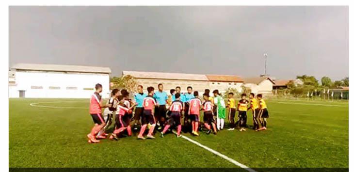 TETAP SEMANGAT: PSPB Kabupaten Sukabumi saat mengikuti piala Soeratin U-13 yang diselenggarakan Asosiasi Sepak Bola Provinsi (Asprov) PSSI Jawa Barat.