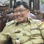Bupati Cirebon Sunjaya Purwadisastra sebelum ditangkap KPK.