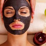 Masker dari arang mampu menngatasi masalah bekas jerawat di wajah./Foto: jpc