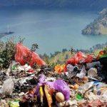 Gunung Rinjani Dipenuhi dengan Sampah