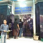 Satreskrim Polresta Bogor Kota menggeledah Kantor BPC Gapensi, Jumat (10/08/2018), foto/adi