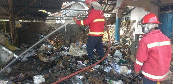 Kebakaran di Kecamatan Kapetakan, Kabupaten Cirebon, Selasa (21/8/2018)./Foto: Alwi
