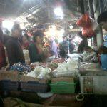Suasana Pasar Wisma Asri. (Foto: Luthfie A.)