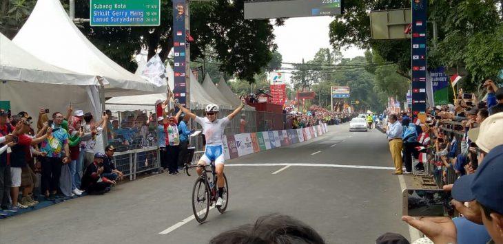 Pebalap Korea menangkan pertandingan balap sepeda putri, Rabu (22/8/2018)./Foto: Ade