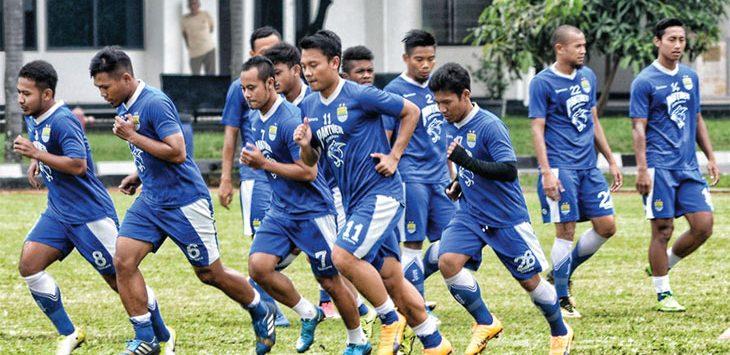 Para pemain Persib Bandung melakukan latihan sebelum menghadapi Liga 1. Istimewa