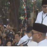 Prabowo Subianto keluar dari kantor KPU Pusat